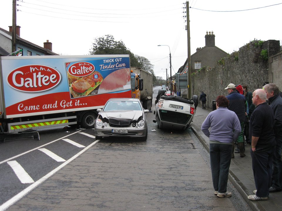 Once again, Slane plays host to a road traffic accident on 23rd March 2009. Miraculously, no-one is killed